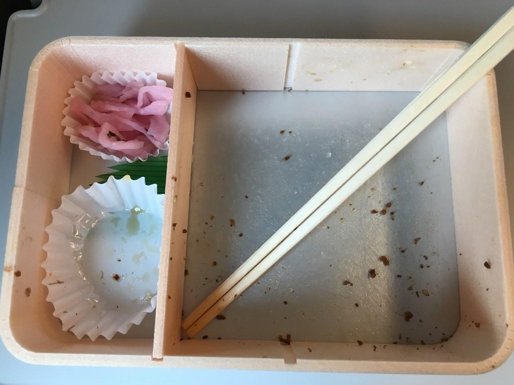 お弁当牛肉どまん中 (1)