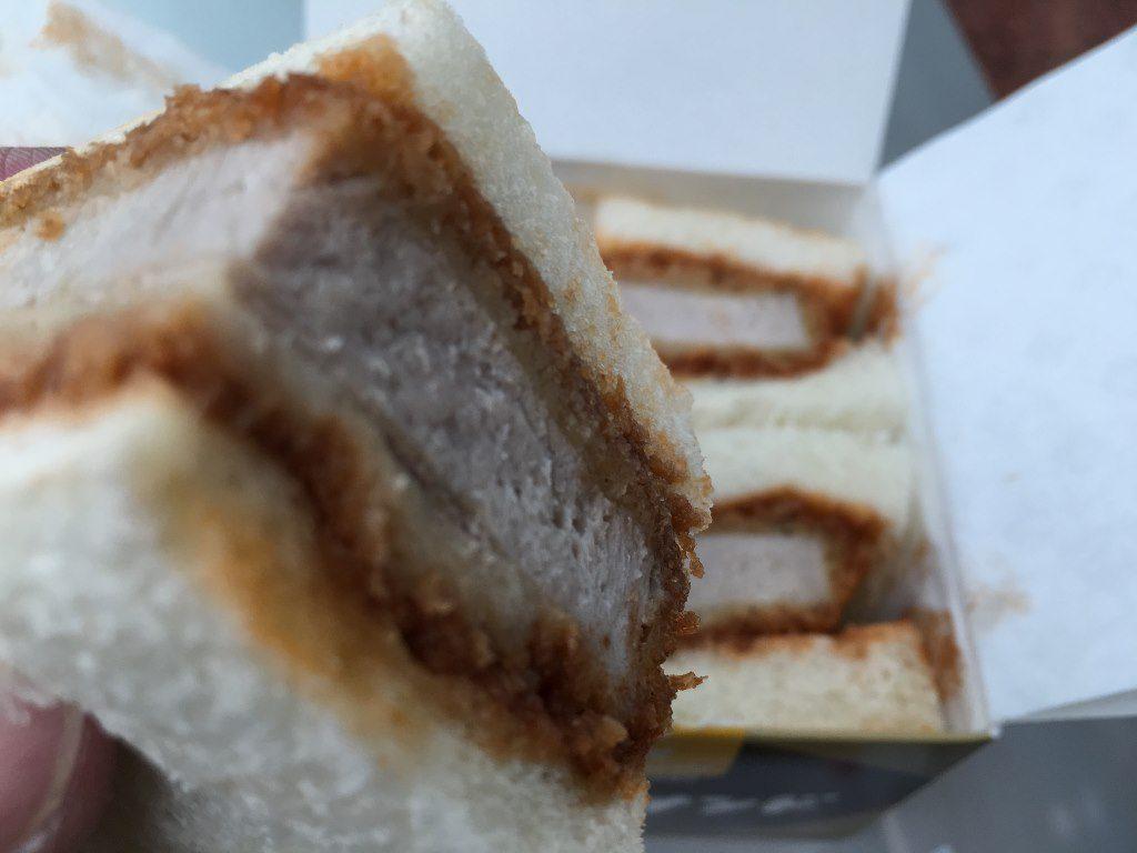 ヒレかつサンド肉の万世 (15)