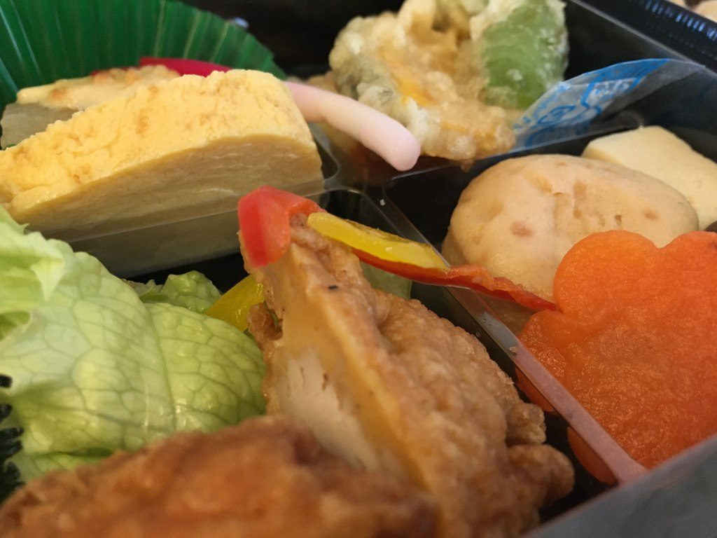 二段鶏めし弁当 (12)